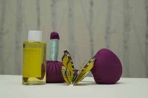Selbstgemachte Kräuterstempel für die Kräuterstempel-Massage