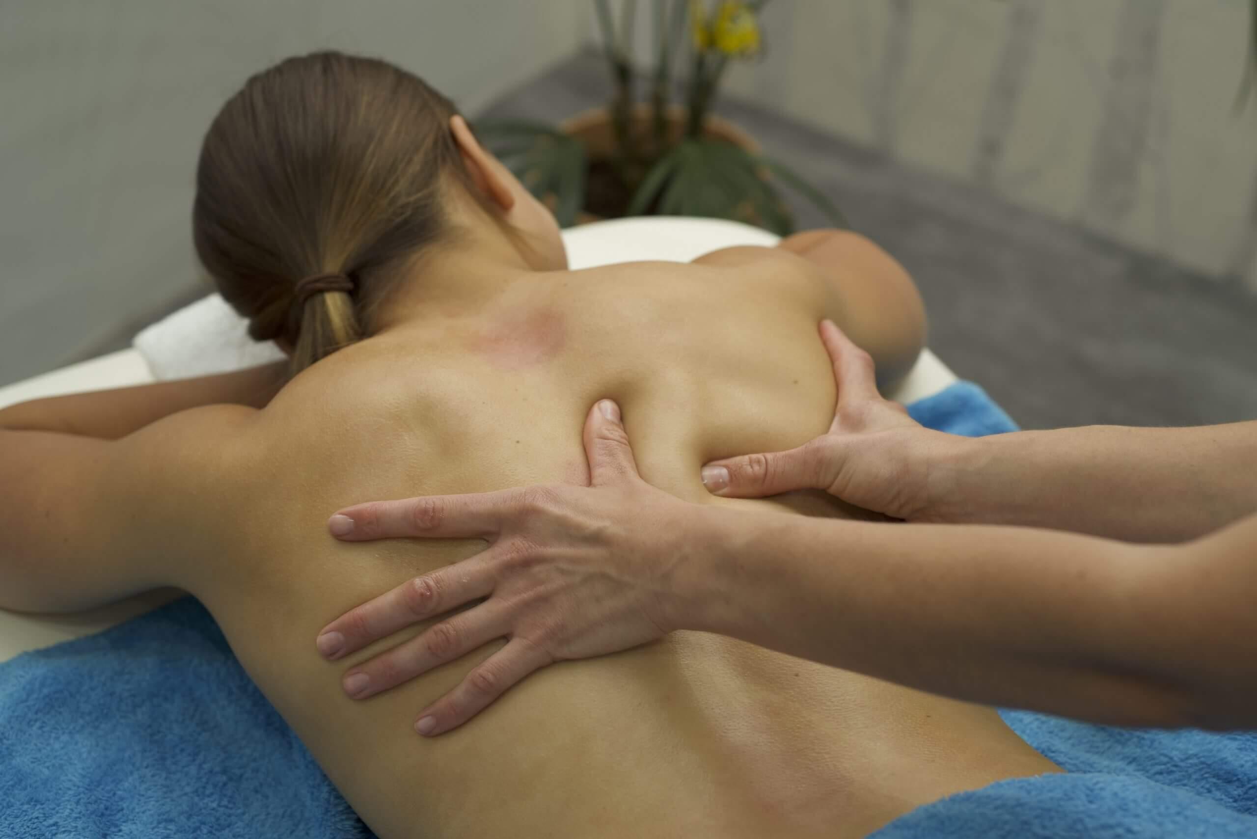 Sara bei der Klassischen Massage